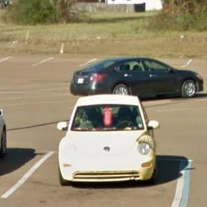 Volkswagen New Beetle w/ Eyelashes (StreetView)