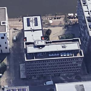 'Am Kaiserkai 09-19' by MRLV Architekten and Spengler Wiescholek Architekten (Google Maps)
