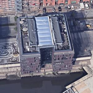 'Am Sandtorkai 56' by APB Architekten (Google Maps)