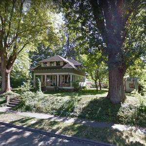 Sharalee Armitage Howard's Free Little Library (StreetView)