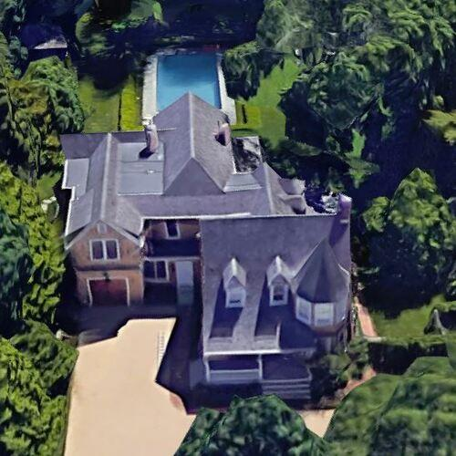 Ruth Porat's House (Former) in Southampton, NY (Google Maps)