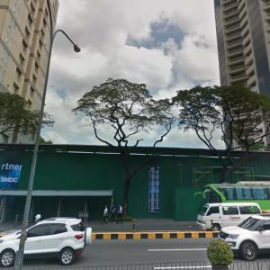 The Estate Makati under construction (StreetView)