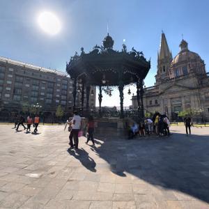 Plaza de Armas, Guadalajara (StreetView)