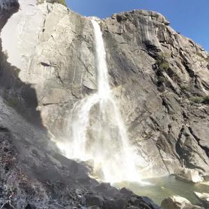 Yosemite Falls (tallest waterfall in California) (StreetView)