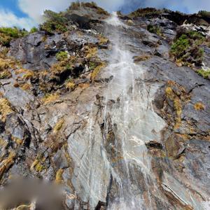 Wishbone Falls (StreetView)