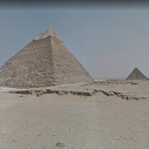 Giza pyramid complex street view (StreetView)