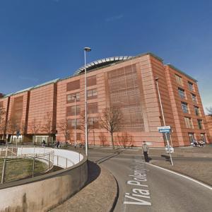 'Banca Popolare di Lodi' by Renzo Piano (StreetView)