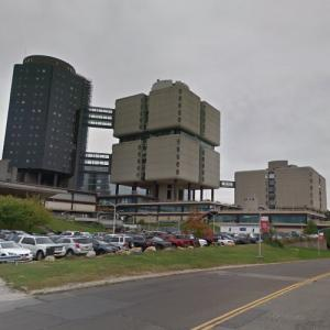 'Stony Brook Health Sciences Center' by Bertrand Goldberg (StreetView)