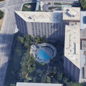 'Westin Crown Center Hotel' by Harry Weese (Google Maps)