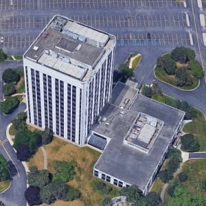 '900 Tower Drive' by Minoru Yamasaki (Google Maps)