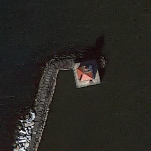 Oswego Harbor West Pierhead Light (Google Maps)
