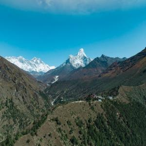 Everest in the distance (StreetView)