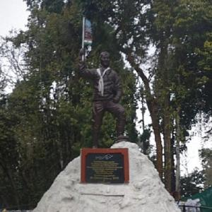 Tenzing Norgay statue (StreetView)