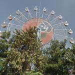 Dream Land Ferris wheel (tallest Ferris wheel in Cambodia)