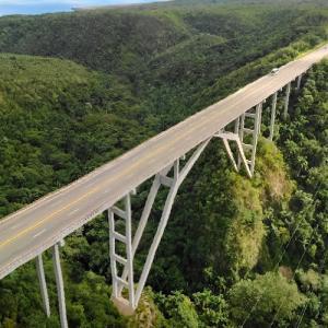 Puente Bacunayagua bridge (StreetView)