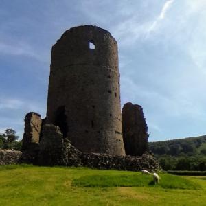 Tretower Castle (StreetView)
