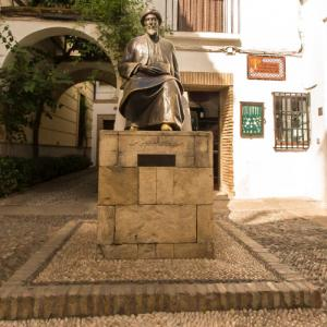 Statue of Maimonides (StreetView)
