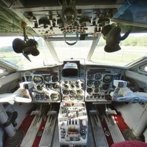 Yak-40 cockpit (StreetView)