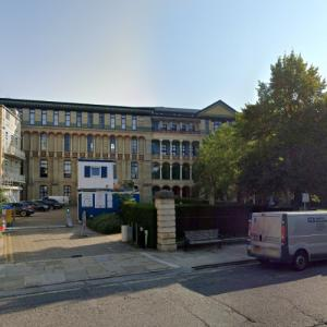 'Cambridge Judge Business School' by John Outram (StreetView)