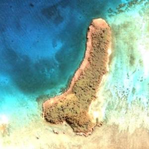 'Interesting' shape island (Google Maps)