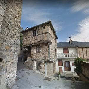 Ancient Aveyron house (StreetView)