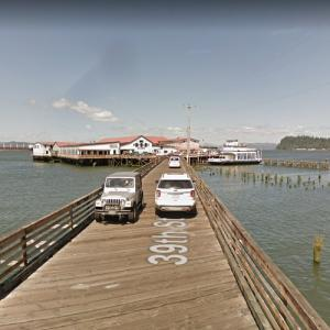 39th Street ends as a pier (StreetView)