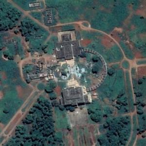 Ruined presidential palace in the jungle (Google Maps)
