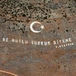 'Ne Mutlu Türküm Diyene'