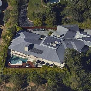 Bill Gross's current and Jennifer Aniston's former House (Google Maps)