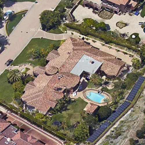 Art Colleges In California >> Travis Barker's House in Calabasas, CA - Virtual Globetrotting