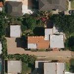 Tony Kanal's House (former) (Google Maps)