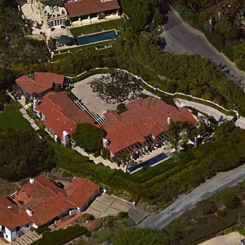 Photo: la maison de Carol Burnett en Montecito, California.