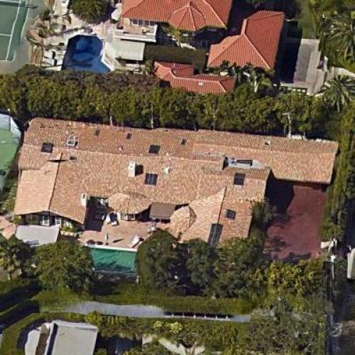 Lisa Kudrow's House (Google Maps)