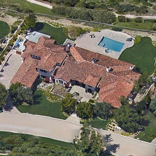 What celebrities live in Calabasas CA - answers.com