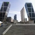 Puerta de Europa (The leaning Towers of Madrid) by Philip Johnson (StreetView)