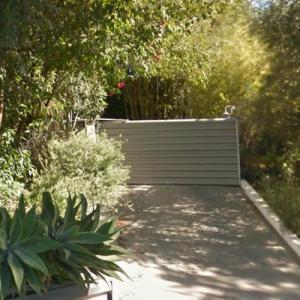 Zac Efron's Gate (former) (StreetView)