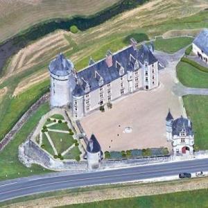 Montpoupon Castle (Google Maps)