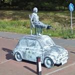 Lady on a Fiat 500 (StreetView)