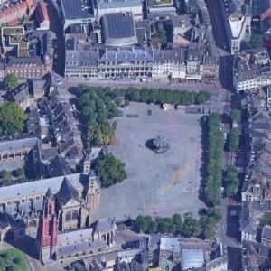 Vrijthof (Maastricht) (Google Maps)