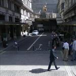 Savoy Court - The only right-hand-drive street in the UK (StreetView)