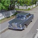 Old Mercedes-Benz (StreetView)