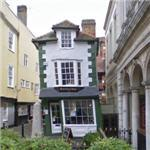 The Crooked House (StreetView)