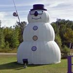World's largest snowman (StreetView)