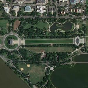 Lincoln Memorial, Reflecting Pool, Washington Monument (Google Maps)
