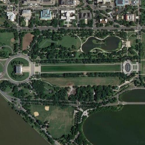 Lincoln Memorial, Reflecting Pool, Washington Monument (Google Maps)