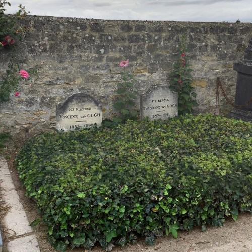 Vincent an Theodore van Gogh's grave (StreetView)