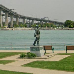 Thomas Edison statue (StreetView)