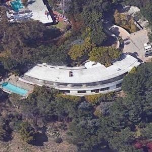 'Schwimmer Residence' by John Lautner (Google Maps)