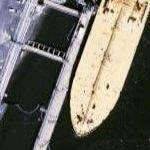 Supertanker at Bayway refinery (Google Maps)
