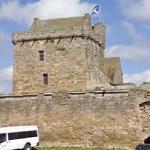 Balgonie Castle (StreetView)